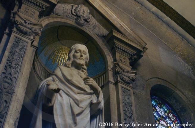 basilica-statue